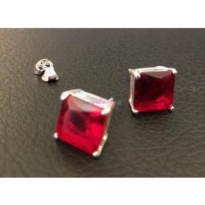 Puzetové náušnice s červeným kameňom